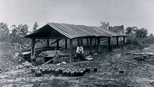 A picture I found on-line of an old groundhog kiln